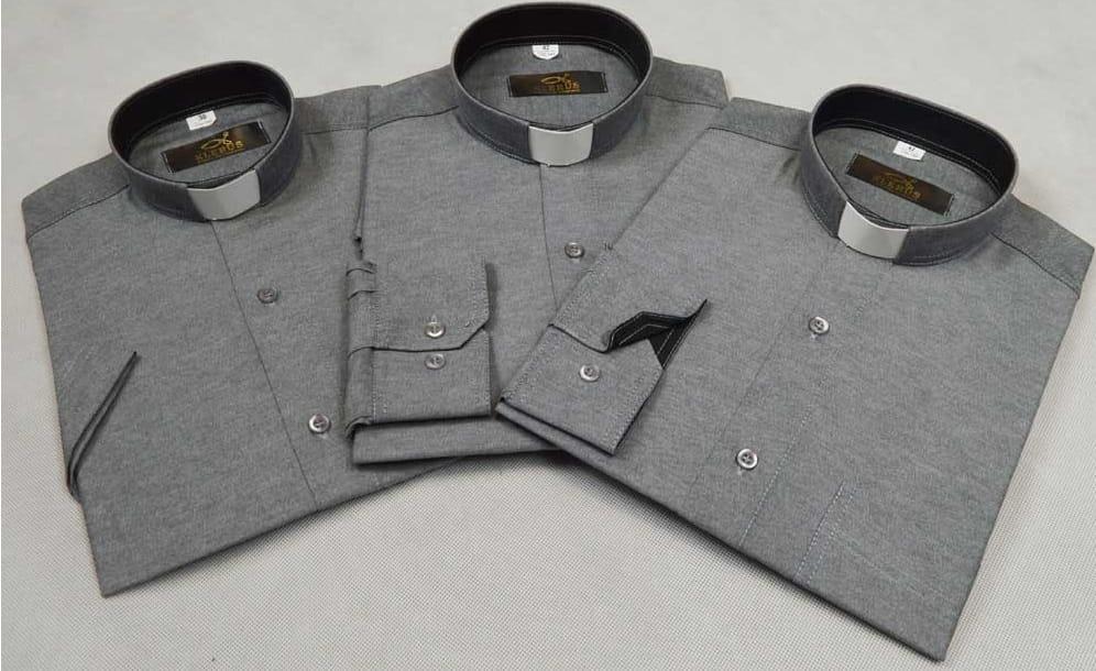 8f39c8636 Koszula kapłańska taliowana w kolorze szarym SLIM/4